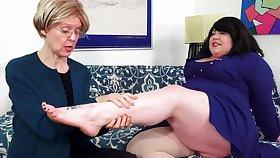 Fat Bella Bendz Strapon Anal Back Granny