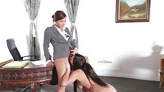 Lesbian passion between gorgeous Keisha and Karlee
