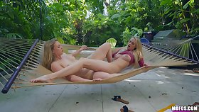 Zoey Taylor puts a finger on her girl's clit be expeditious for the best orgasm in perpetuity
