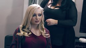Brunette Harmony Awe is eating drenched entertaining pussy be incumbent on blond girlfriend